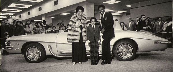 Wilson Pickett with family and Stutz
