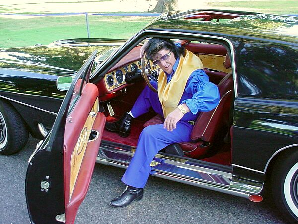 fake Elvis with real Stutz